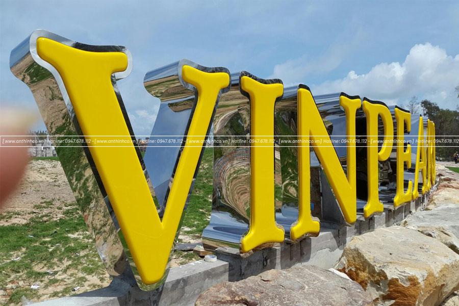 Bẳng chữ nổi thi công ở Đà Nẵng