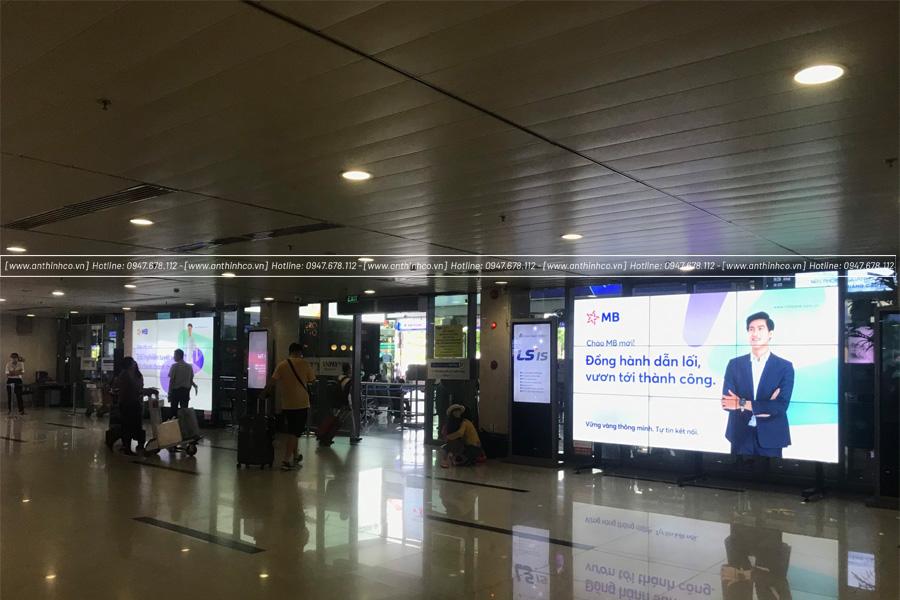lightbox đặt tại sân bay
