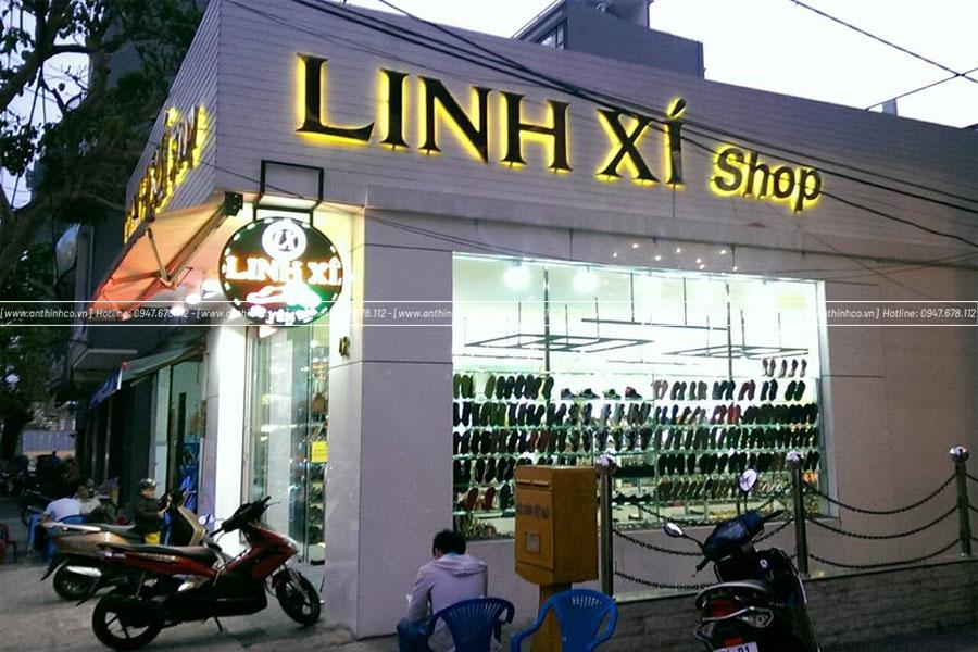 Mặt dựng Alu thiết kế cho tiệm giày
